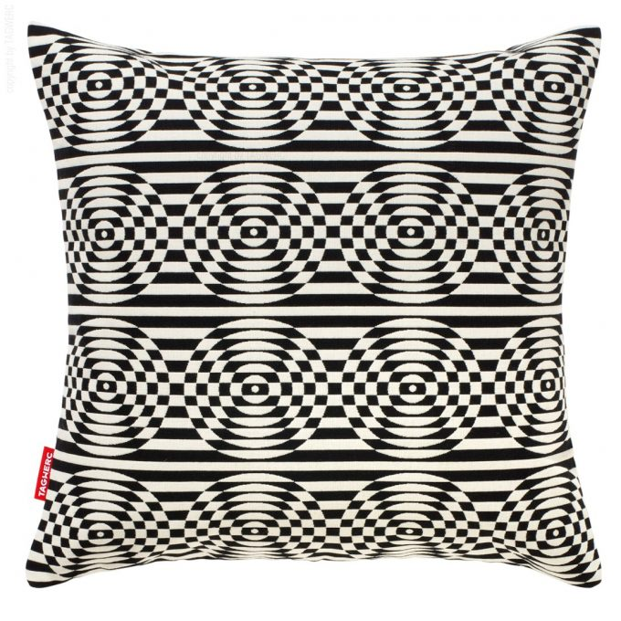 The cushion is made with Maharam fabric Optik, here in white and black, by design agency TAGWERC in Germany. The Optik pattern was created by designer Verner Panton.